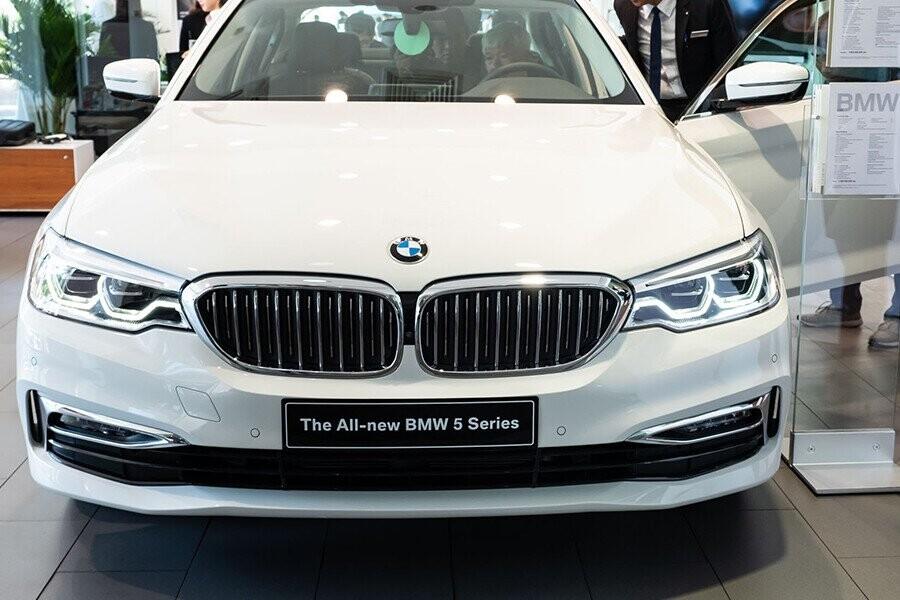 Lưới tản nhiệt đặc trưng BMW