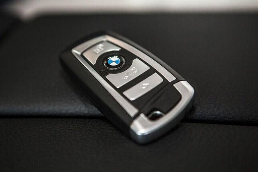 Chìa khóa hiển thị BMW có thể được sạc không dây