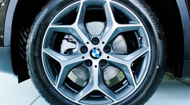 Bộ vành chữ Y kích thước 18 inch phối 2 tông màu cứng cáp