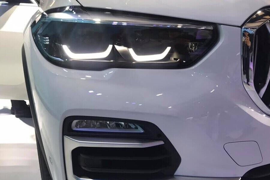 Cụm đèn pha công nghệ LED hiện đại