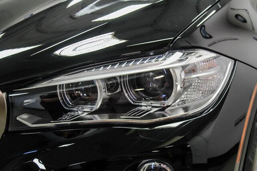 Đèn pha kép mang đến cho tài xế tầm nhìn tối đa