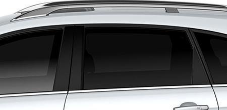 Kính cửa sổ tối màu tăng phần riêng tư và giúp khoang xe luôn mát mẻ