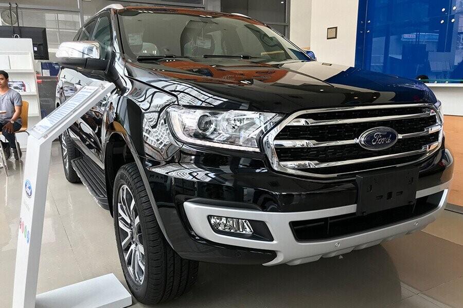Ngoại thất Ford Everest Titanium 2.0L AT 4WD - Hình 1