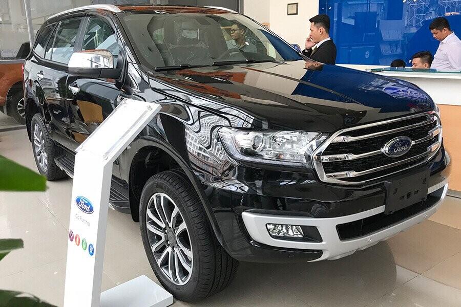 Ngoại thất Ford Everest Titanium 2.0L AT 4WD - Hình 2