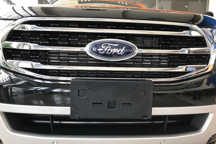 Ngoại thất Ford Everest Titanium 2.0L AT 4WD - Hình 3