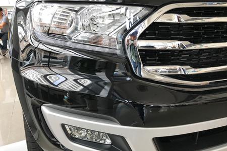 Ngoại thất Ford Everest Titanium 2.0L AT 4WD - Hình 5