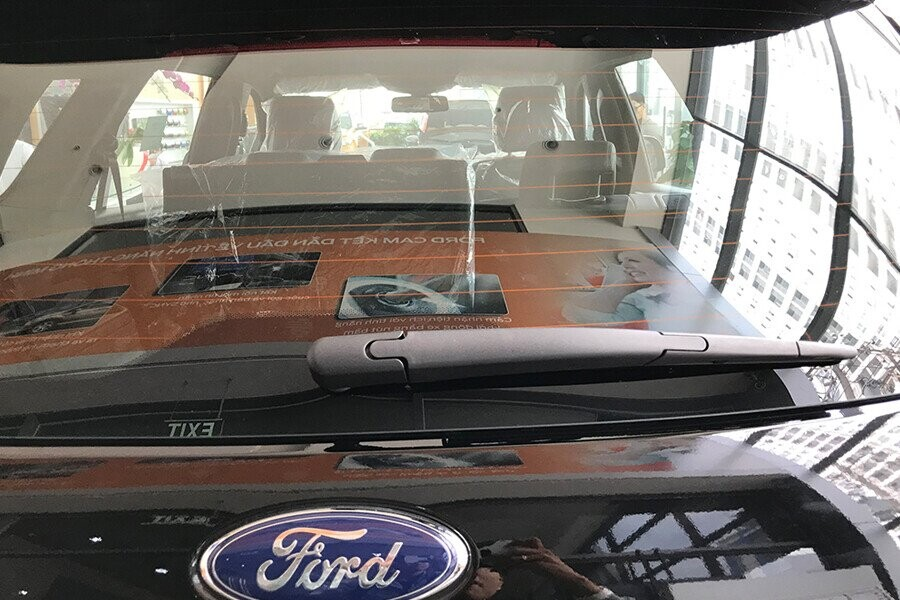 Ngoại thất Ford Everest Titanium 2.0L AT 4WD - Hình 7
