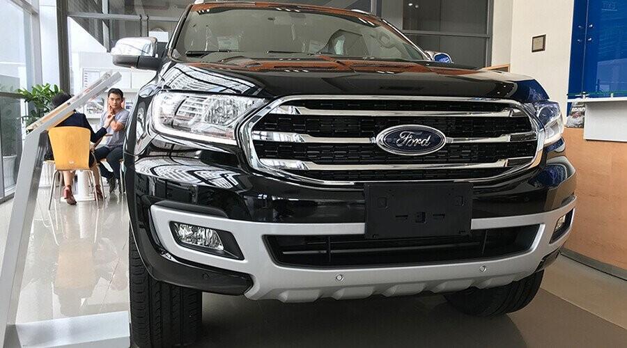 Đầu xe Ford Everest đầu xe thiết kế mạnh mẽ