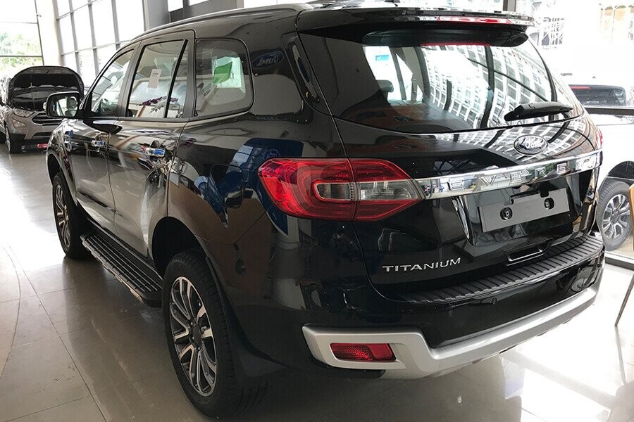 Ngoại thất Ford Everest Titanium 2.0L AT 4WD - Hình 10