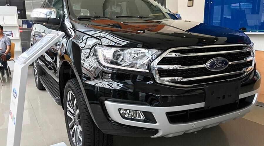 Ford Everest thiết kế mạnh mẽ