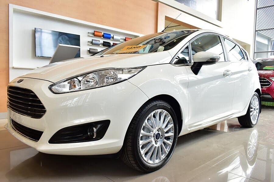 Ford Fiesta 1.5L  AT Sport có thiết kế thon gọn và đơn giản