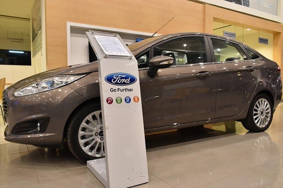 Ford Fiesta 1.5L AT Titaniumcó thiết kế thon gọn và đơn giản