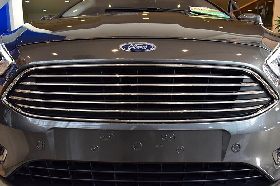 Lưới tản nhiệt liên tục điều chỉnh góc mở nhằm cản luồng khí lưu thông