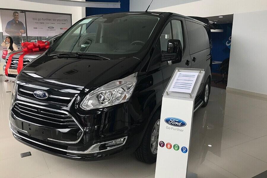 Ford Tourneo mang vẻ đẹp năng động và cứng cáp