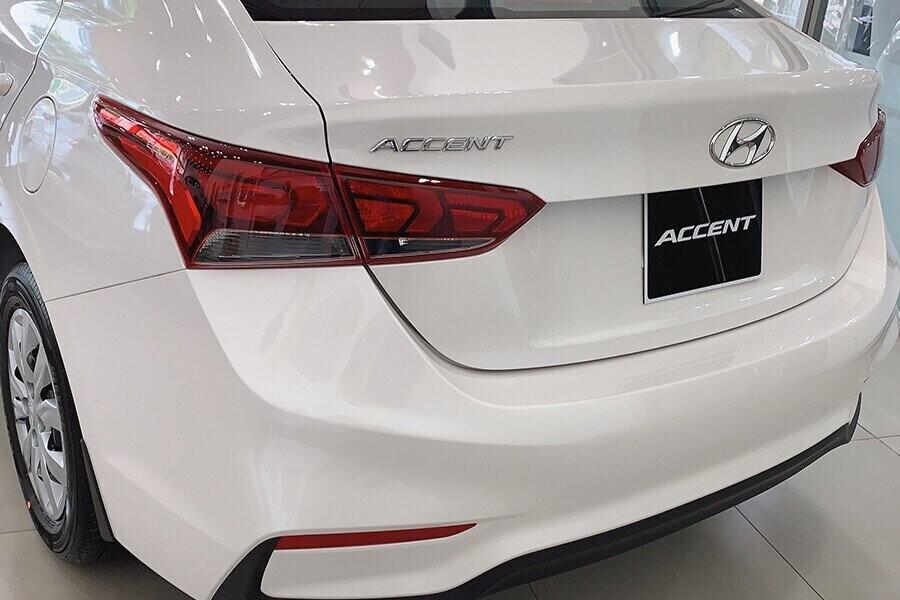 Ngoại thất Hyundai Accent 1.4 MT tiêu chuẩn - Hình 2
