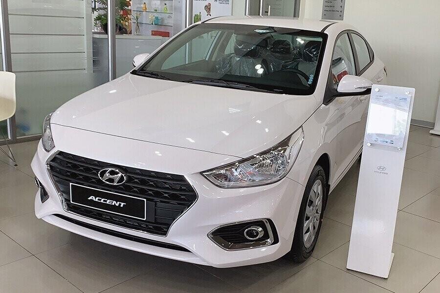 Ngoại thất Hyundai Accent 1.4 MT tiêu chuẩn - Hình 3