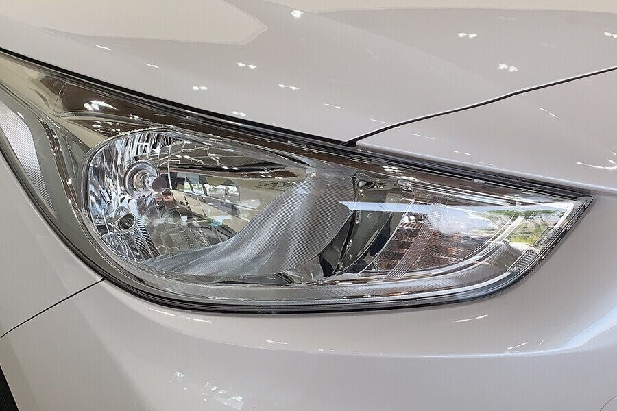Ngoại thất Hyundai Accent 1.4 AT Đặc Biệt - Hình 4