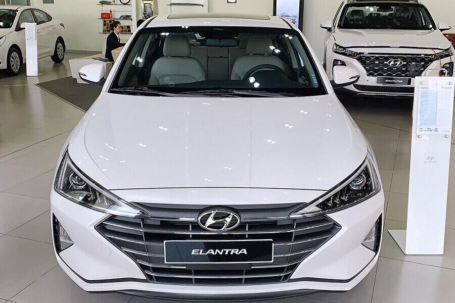 Hyundai Elantra 2019 khoác lên diện mạo thể thao