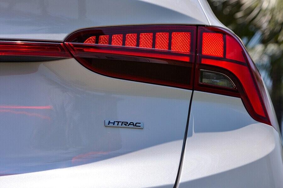 Cụm đèn hậu công nghệ LED 3D