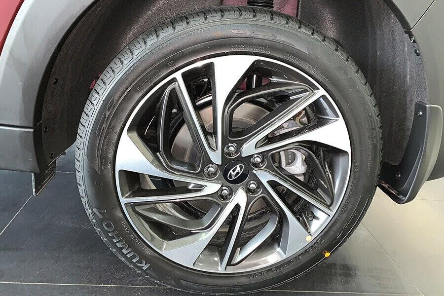 Xe sử dụng mâm kích thước 17 inch