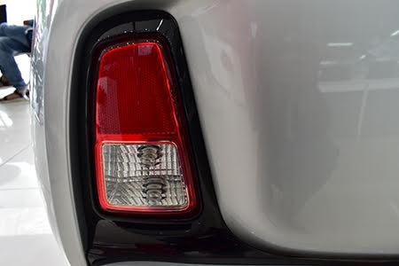 Đèn hậu thiết kế dạng LED nổi bật