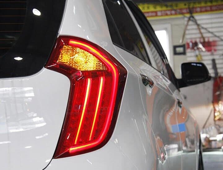 Đèn hậu thiết kế dọc thân xe sang trọng