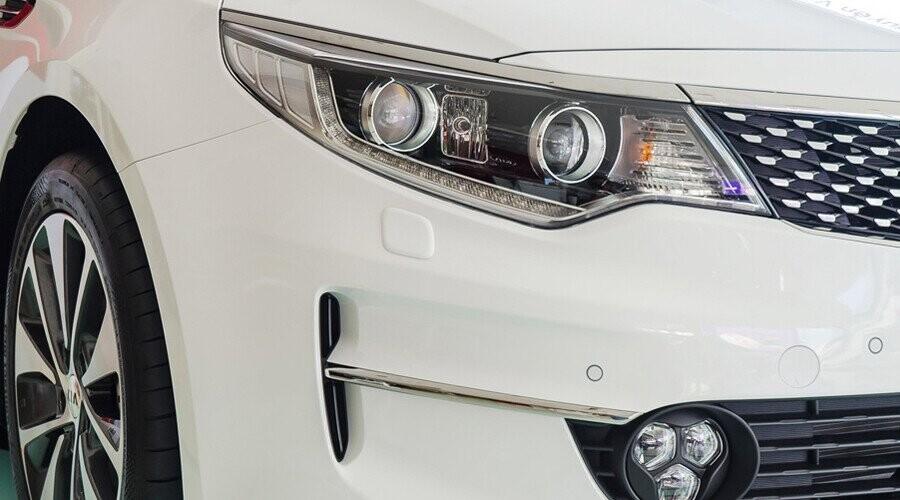 Đèn pha HID-Xenon thông minh kết hợp đèn sương mù LED 3 điểm hiện đại