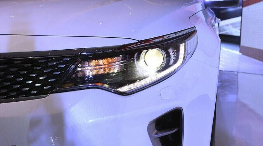 Đèn pha Bi – Xenon thông minh