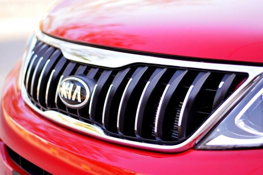 Lưới tản nhiệt hình ''mũi hổ'' và phong cách tròn trịa tạo nên điểm khác biệt cho xe