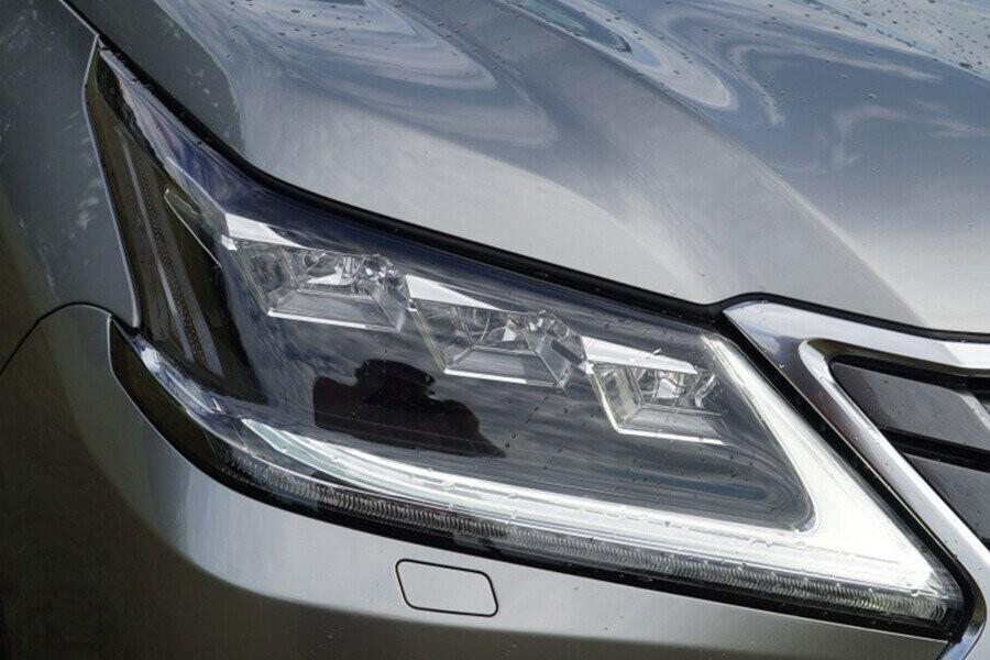 Cụm đèn pha trước LED tăng khả năng chiếu sáng