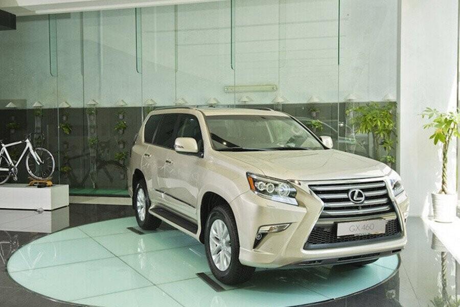 Phong cách xe mạnh mẽ và vững chải của một mẫu SUV hạng sang