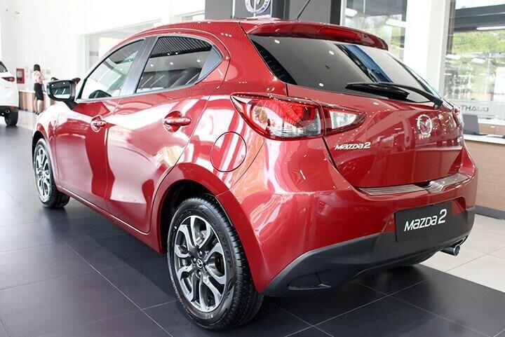Đuôi xe Mazda 2 Hatchback 1.5L
