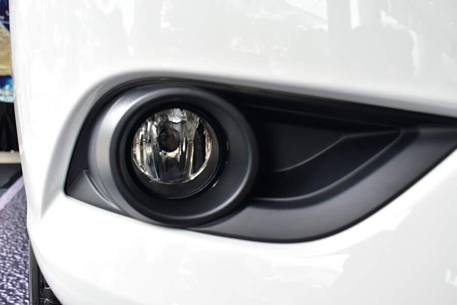 Đèn sương mù giúp tăng khả năng quan sát cho người lái trong điều kiện ánh sáng thấp