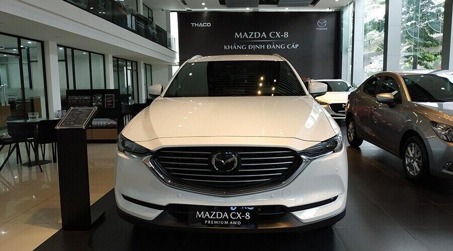 Đầu xe Mazda CX-8 thiết kế sang trọng