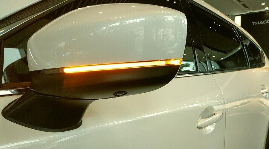 Gương chiếu hậu CX-8 tích hợp đèn rẽ báo