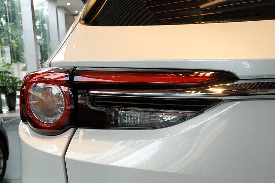 Đèn hậu LED vuốt nhọn ở phần đuôi đẹp mắt