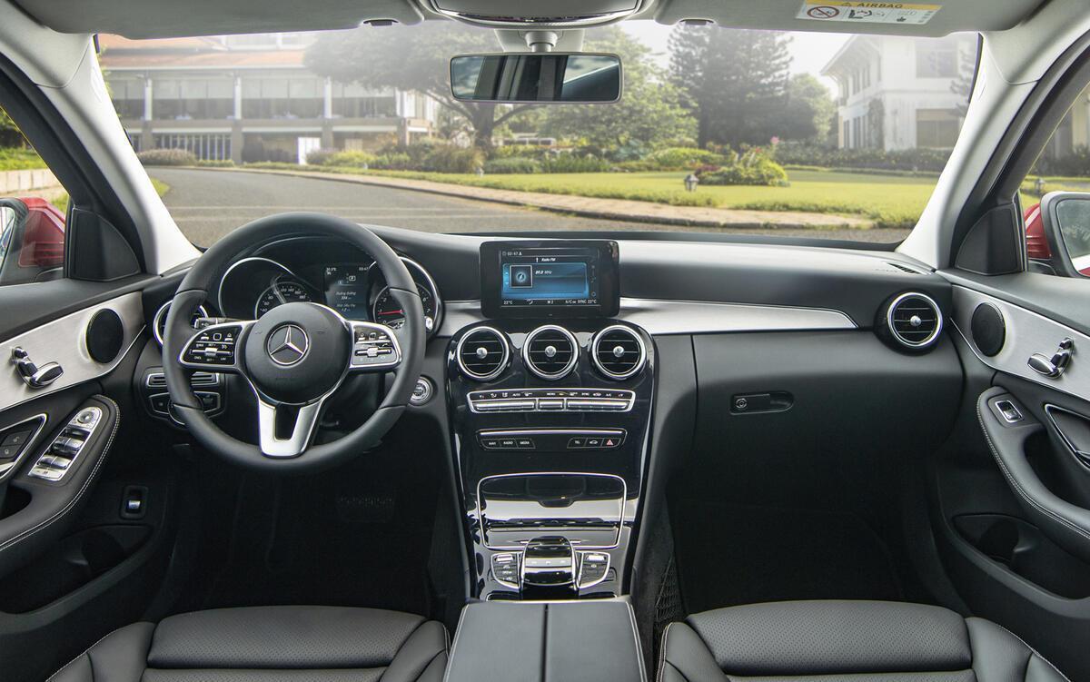 Ngoại thất Mercedes C180