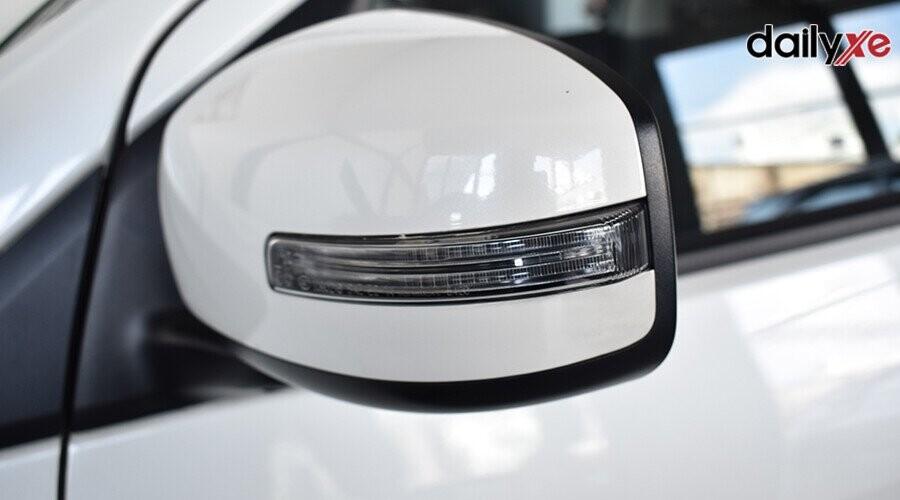 Đèn báo rẽ được tích hợp trên gương chiếu hậu