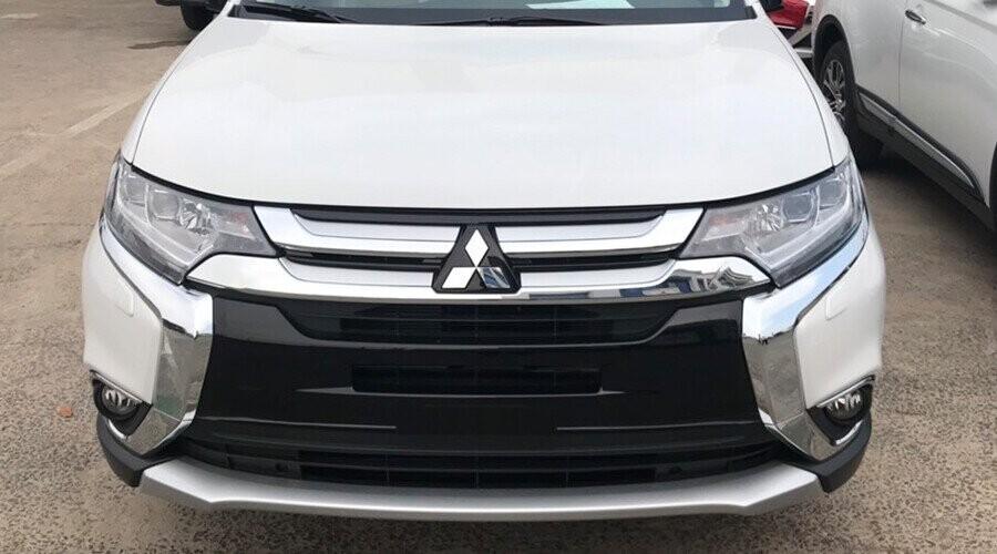 Mitsubishi Outlander với thiết kế phong cách hiện đại