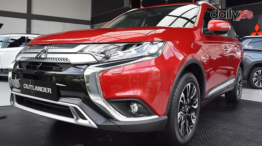 https://cdn.dailyxe.com.vn/image/ngoai-that-mitsubishi-outlander-20-cvt-10-97687j2.jpg