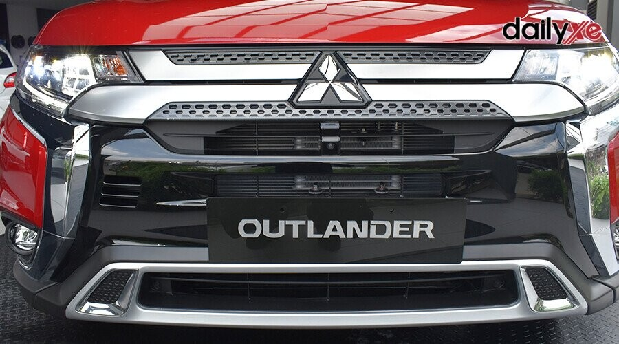 https://cdn.dailyxe.com.vn/image/ngoai-that-mitsubishi-outlander-20-cvt-13-97684j2.jpg