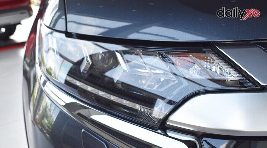 Đầu xe sử dụng hệ thống đèn LED