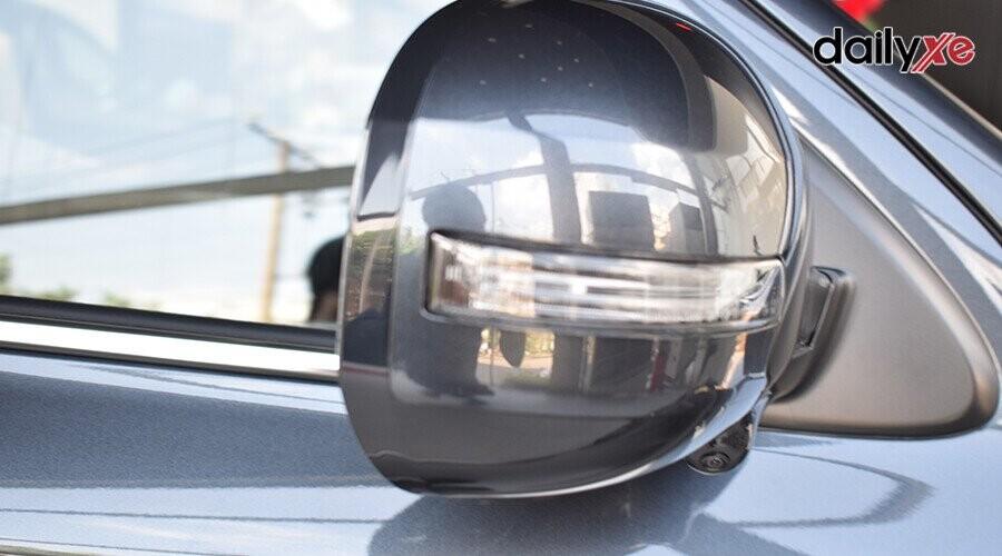 Gương chiếu hậu tích hợp đèn rẽ báo
