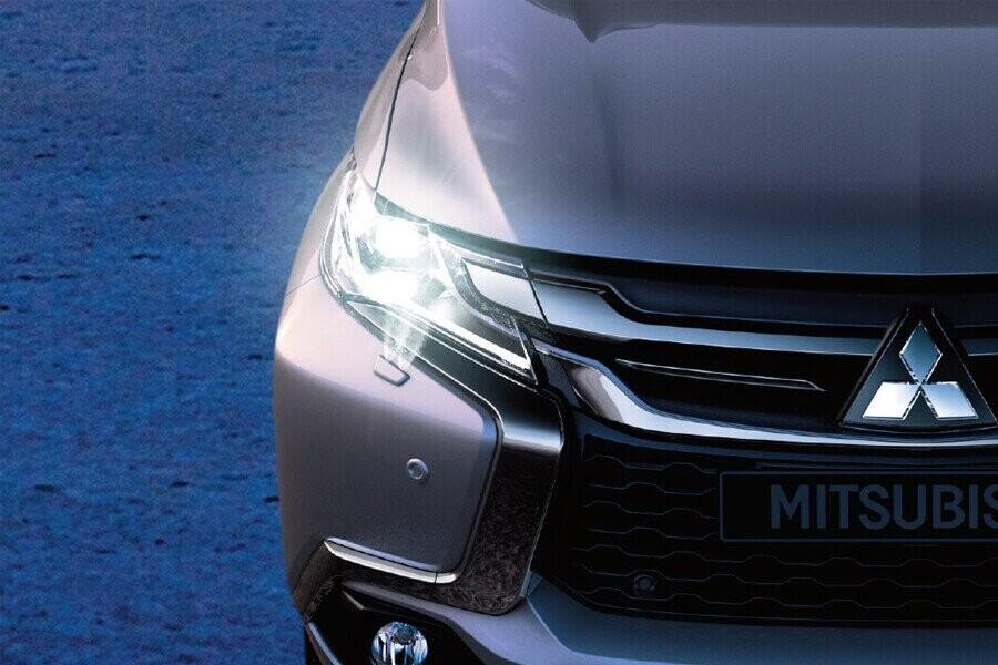 Ngoại thất Mitsubishi Mitsubishi Pajero Sport Diesel 4x2 AT - Hình 6