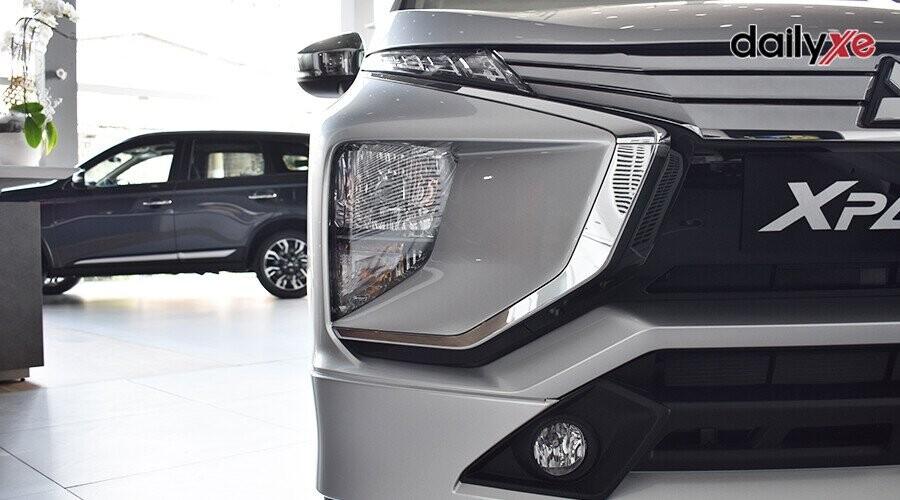 Đèn định vị dạng LED lên trên, giúp xe tăng vẻ hiện đại và mạnh mẽ