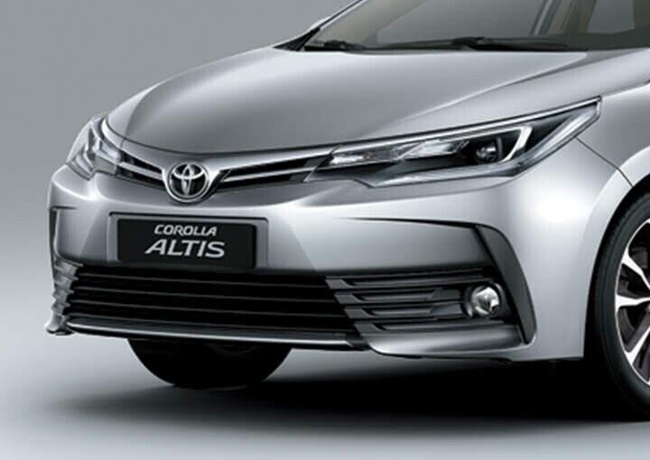 Đầu xe thiết kế mới với bộ lưới tản nhiệt kéo dài ôm trọn đèn sương mù thu hút ánh nhìn