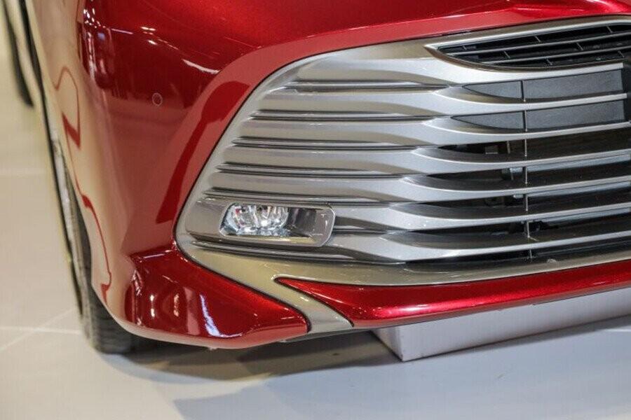 Ngoại thất Toyota Camry - Hình 4