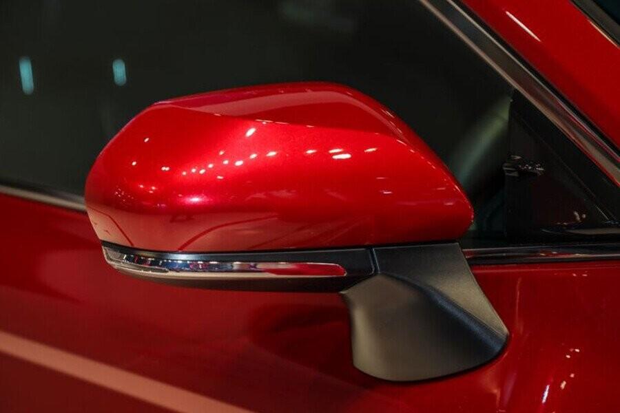 Ngoại thất Toyota Camry - Hình 7