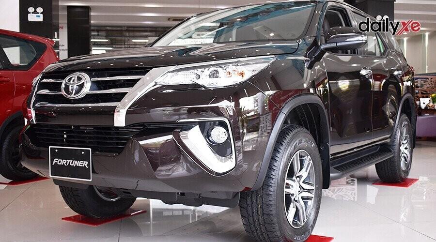 Toyota Fortuner với vẻ ngoài mạnh mẽ, bề thế và sang trọng