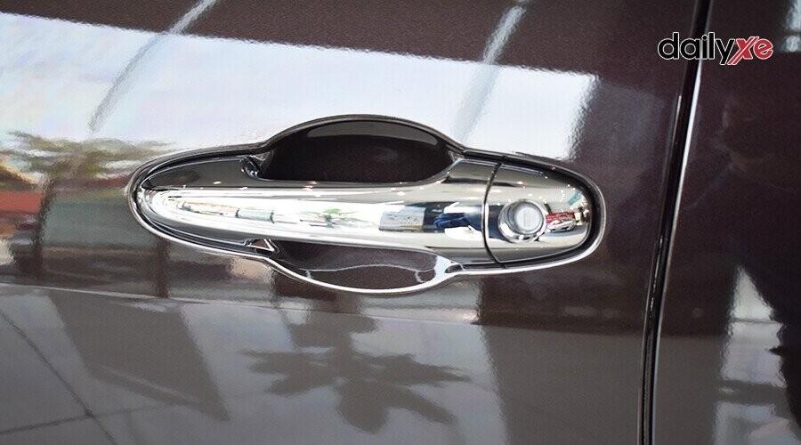 Ngoại thất Toyota Fortuner 2.8V 4x4 - Hình 6